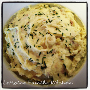 Garlic and Chive Mashed Potatoes | LeMoine Family Kitchen. These are the BEST mashed potatoes!!! So much amazing flavor and the perfect side dish!