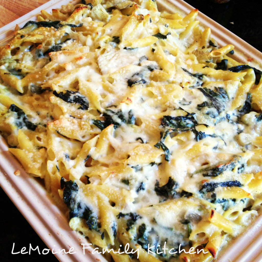 Baked Spinach & Artichoke Pasta.. absolutely delicious pasta dish. Its creamy, flavorful and that classic combo of spinach & artichoke is perfect!
