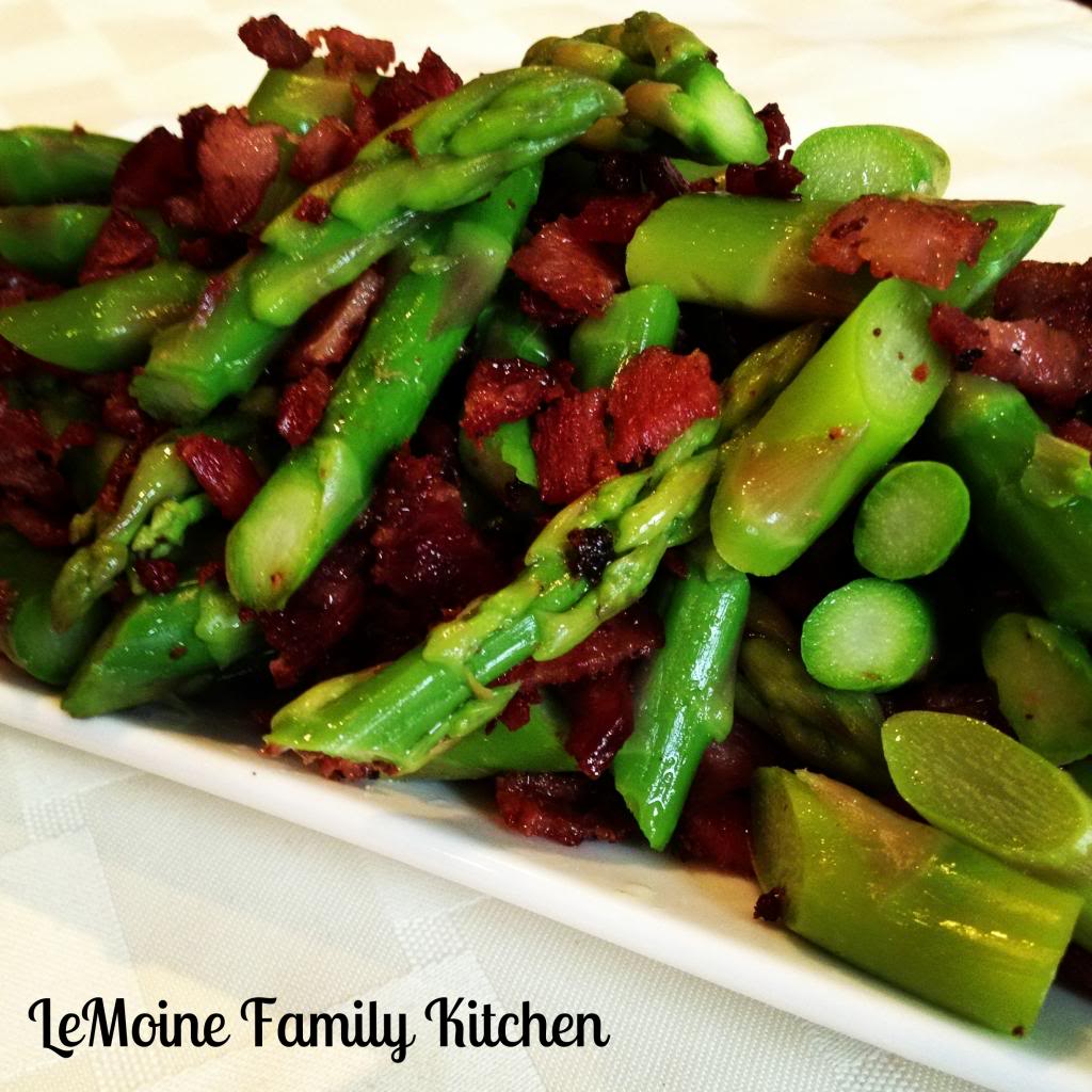 Asparagus with Crisp Turkey Bacon. Simple and delicious side dish!