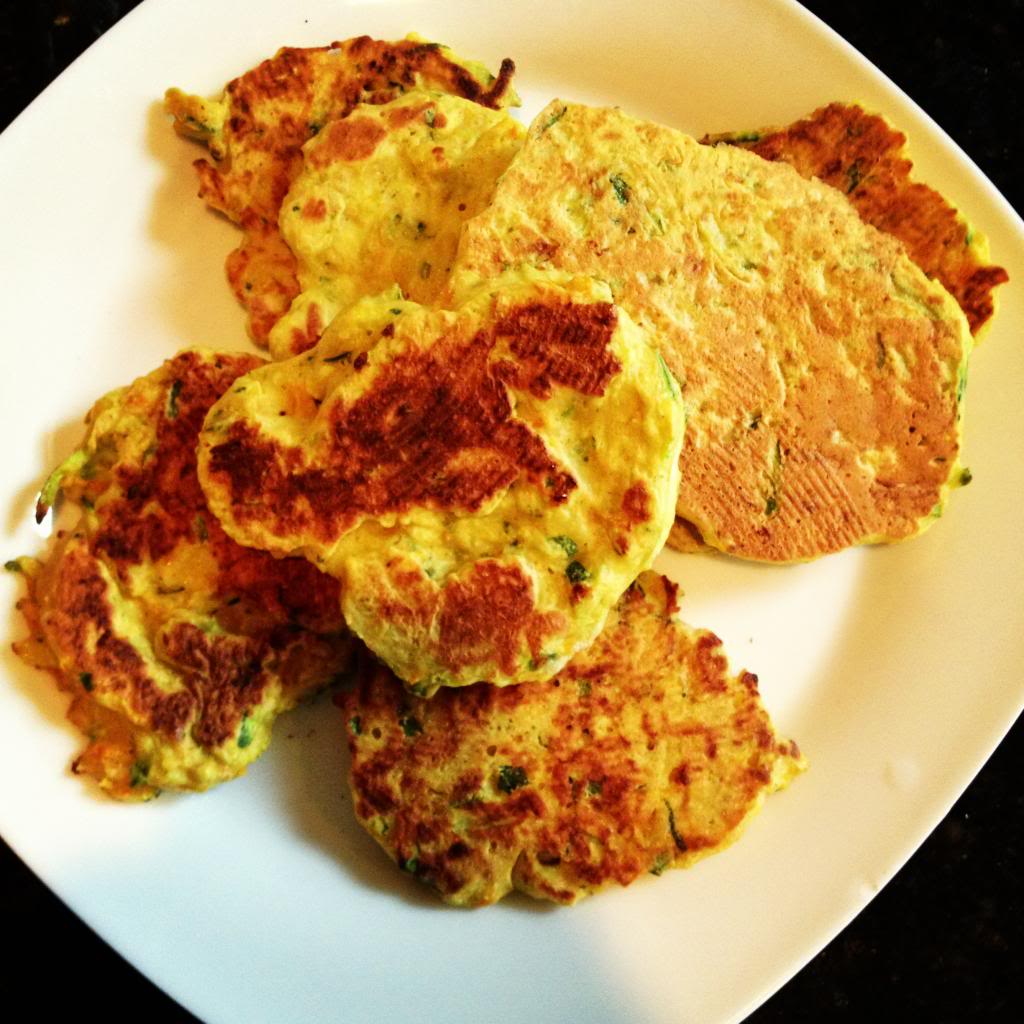Clean Eating :: Zucchini & Carrot Pancakes