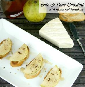 Brie & Pear Crostini with Honey and Hazelnuts   LeMoine Family Kitchen #appetizer #horsdoeuvre #crostini #brie