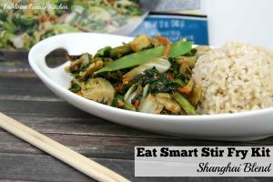 Eat Smart Stir Fry Kit :: Shanghi Blend   LeMoine Family Kitchen #ad #sponsored #stirfry #vegetarian #healthy