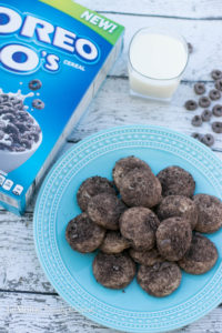 OREO® O's Sugar Cookies. A perfect back to school snack with the #BestCerealEver. Perfectly dunk-able sugar cookie coated in crushed OREO O's cereal! #ad